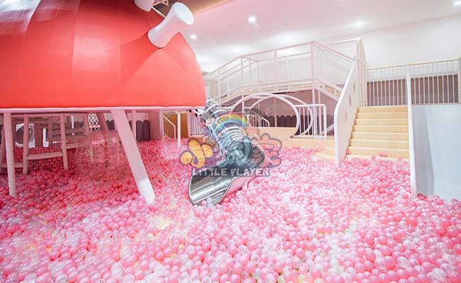 粉色海洋球池乐园