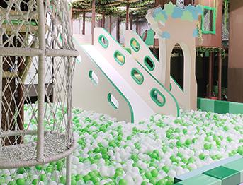 大型商场海洋球亲子乐园