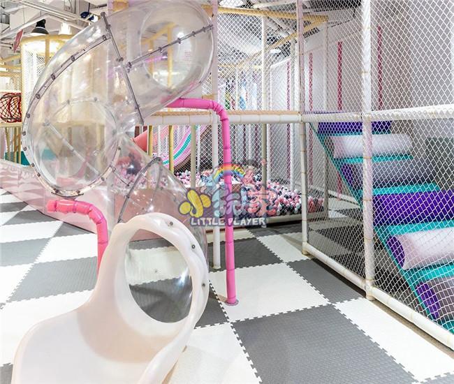 室内透明塑料滑梯